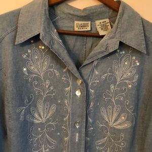 NWOT. gorgeous chambray blouse